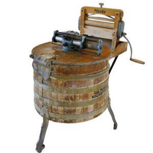 alte Bottich Waschmaschine von Miele, Wäsche waschen